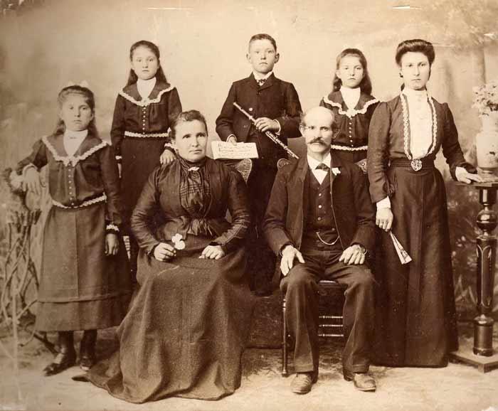psicogenealogia a Torino consulenza personale Emanuela Re - viaggio scoprire scopri segreti e storia dei tuoi avi della tua famiglia